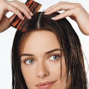 Sisir Agar Rambut Tidak Mengembang