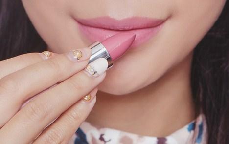Warna lipstik nude