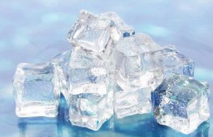 5 Efek Samping Mengerikan Terlalu Sering Mengunyah Es Batu