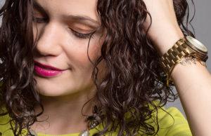 Ini Dia Cara Merawat Rambut Keriting yang Perlu Anda Ketahui!