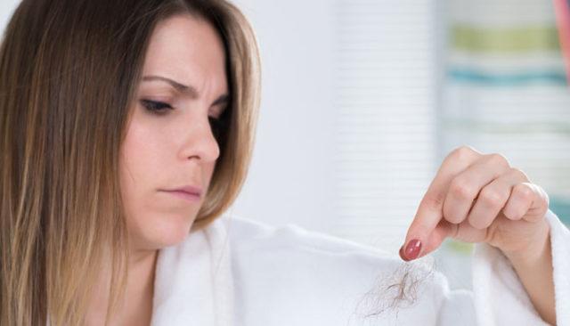 Inilah Cara Mengatasi Masalah Rambut Rontok Yang Perlu Anda Ketahui!