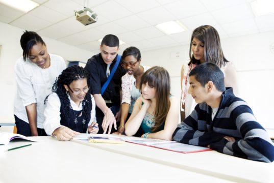 Cara Anak Muda Mencari Uang