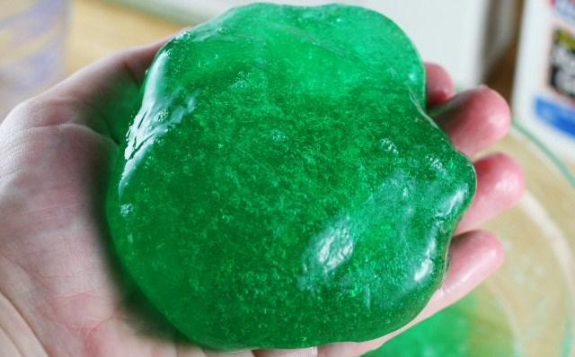 Simak Cara Membuat Slime Activator Yang Bening Dengan Aman